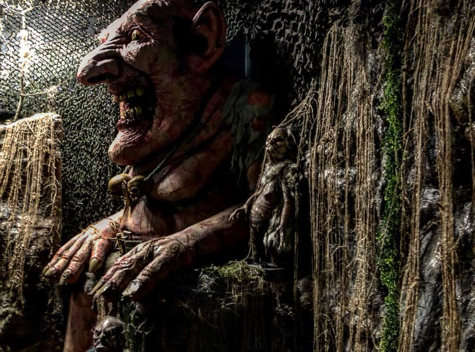 Creepy, Scary, Dark & Merry - cover