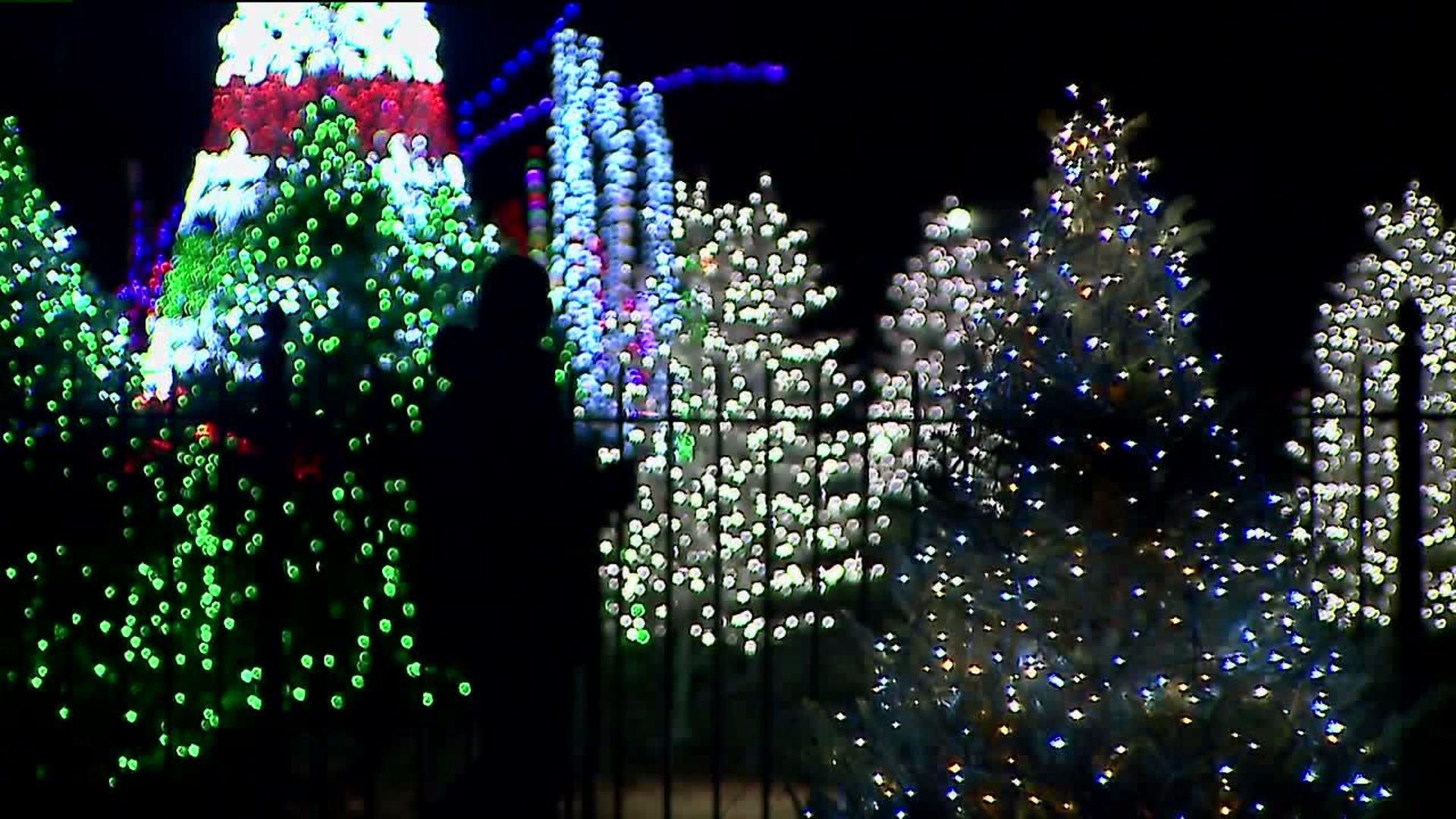Nela Park Christmas Lights 2020 GE Lighting kicks off holiday season with annual lighting display