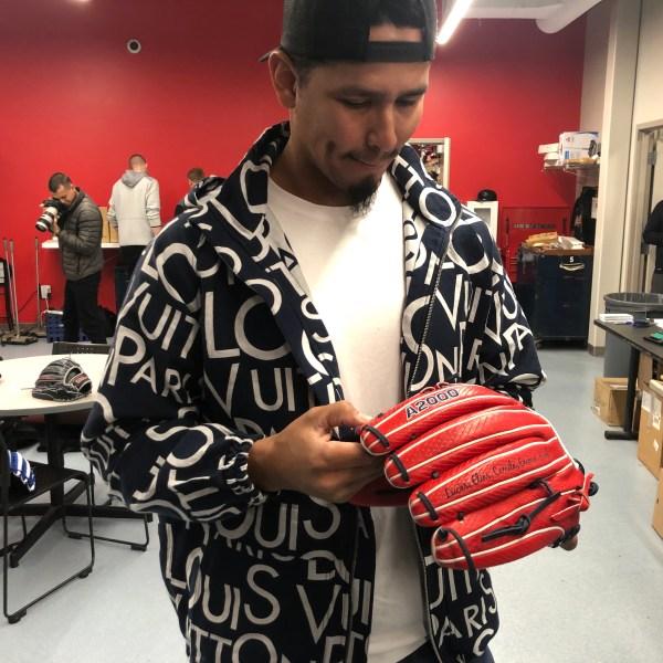 Carlos Carrasco new glove