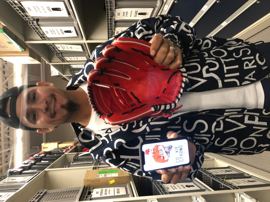 Carlos Carrasco new glove