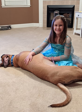 Peyton's sister, Ryleigh, with Dash (courtesy: Jillian Smith)