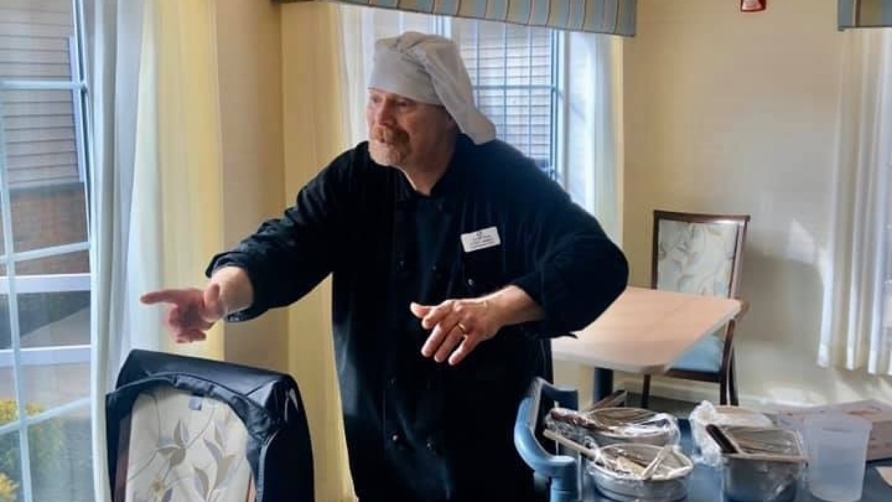 Chef Sings To Residents At Alzheimer S And Dementia Facility