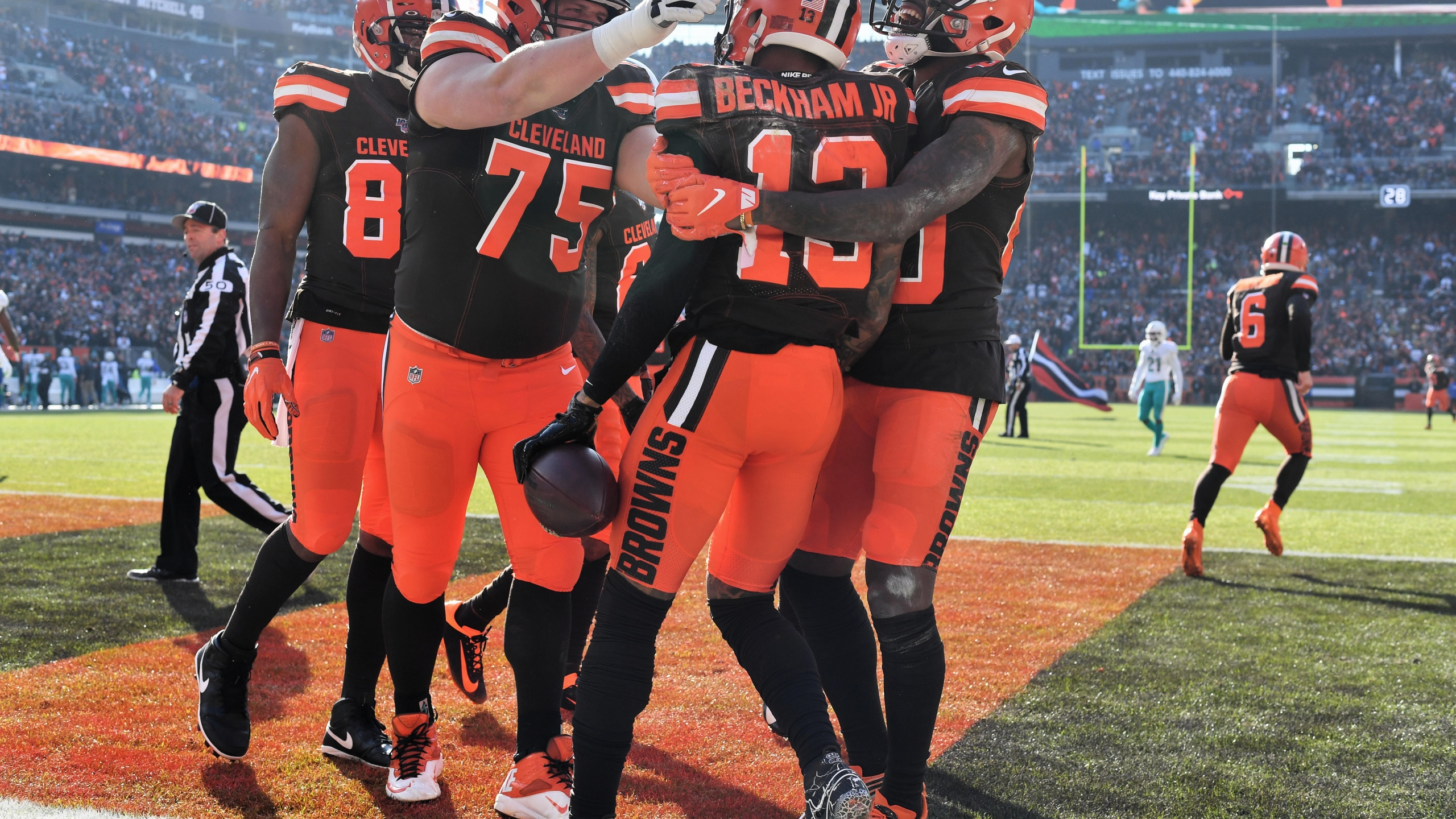 Odell Beckham Jr. #13 of the Cleveland Browns celebrates