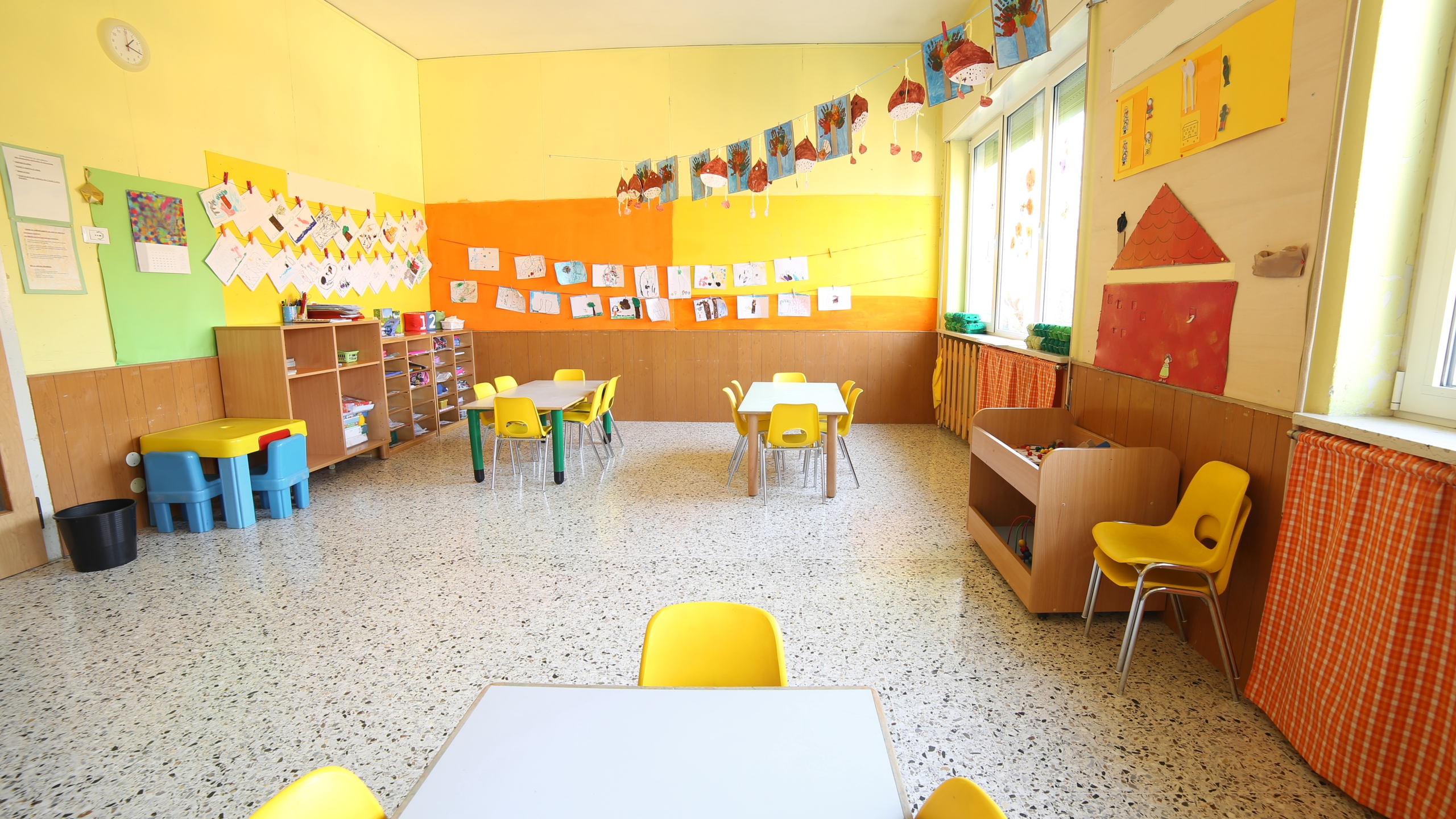 classroom of a day care center without children and teacher