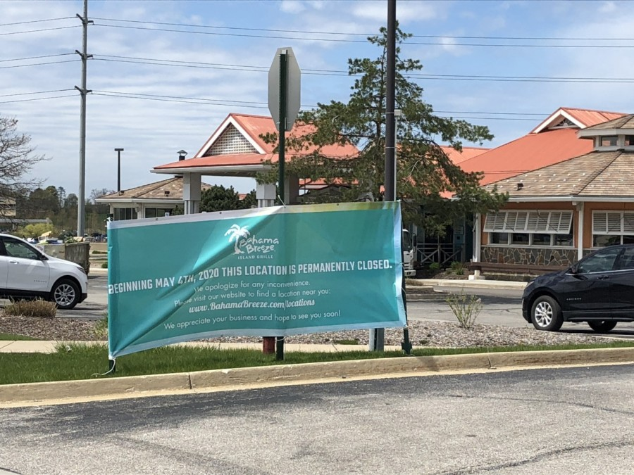 Bahama Breeze Posts Sign Saying Orange Village Location Is Permanently Closed