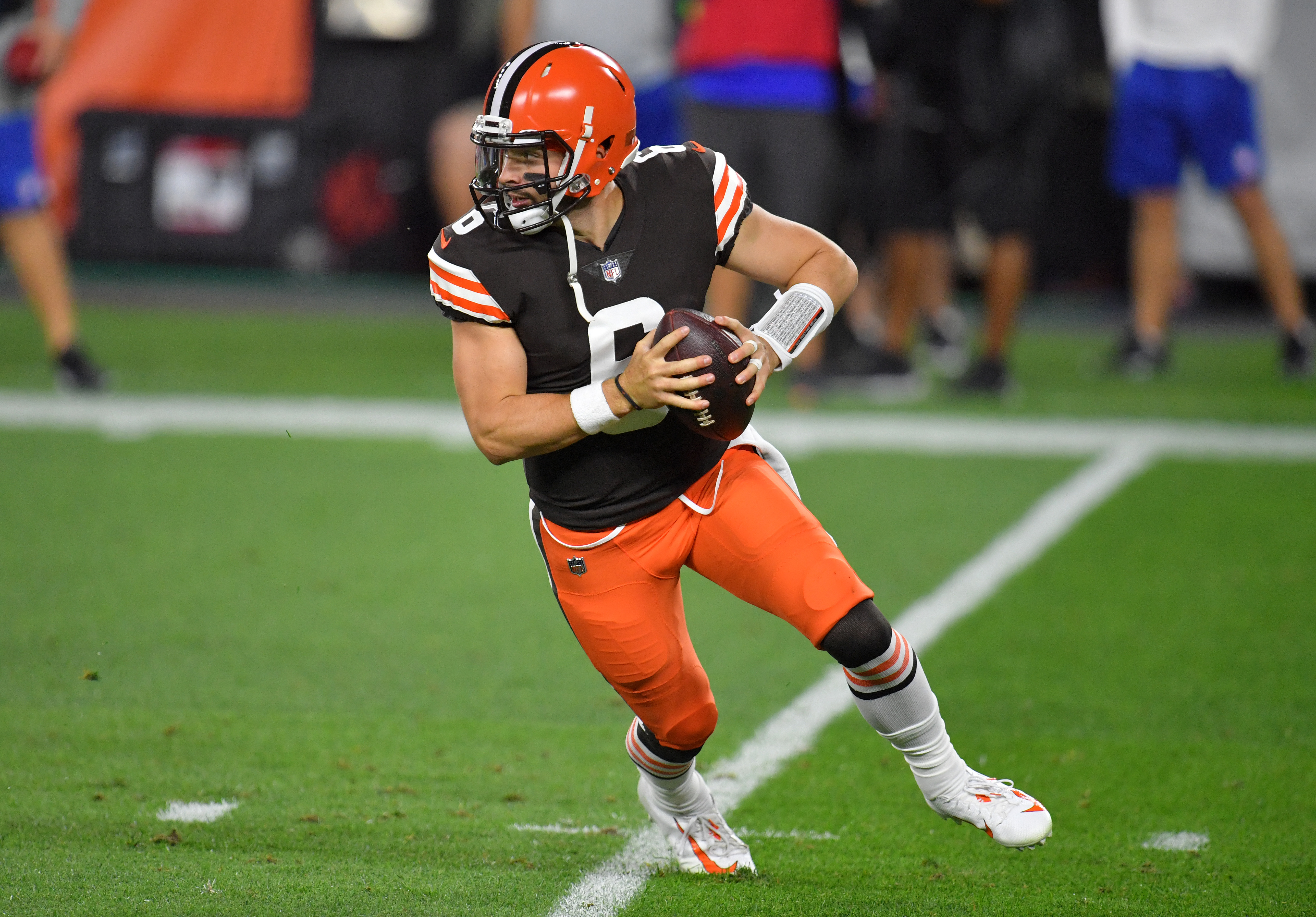Baker Mayfield Confident In O Line Against Sack Leading Chase Young Washington