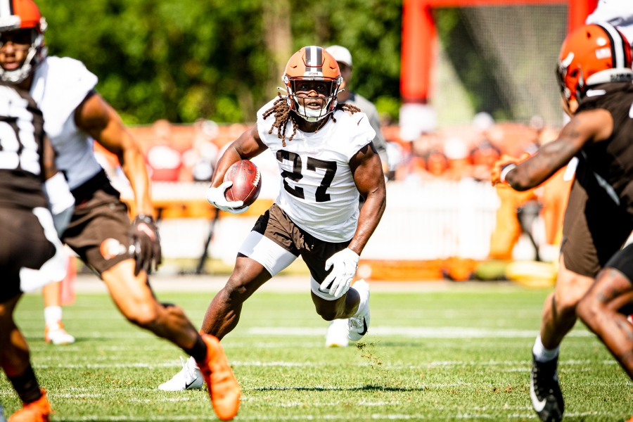 Running Back Kareem Hunt (27) during the fifth day of training camp on August 2, 2021.