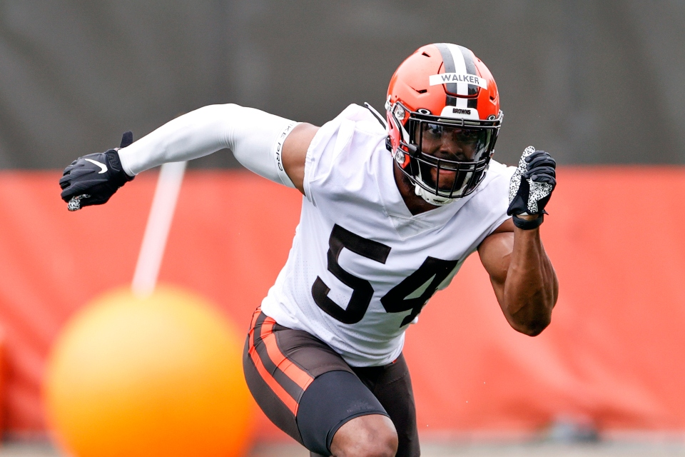 Cleveland Browns linebacker Anthony Walker Jr. runs through a drill during NFL football practice at the team's training facility in Berea, Ohio, in this Wednesday, June 2, 2021, file photo.