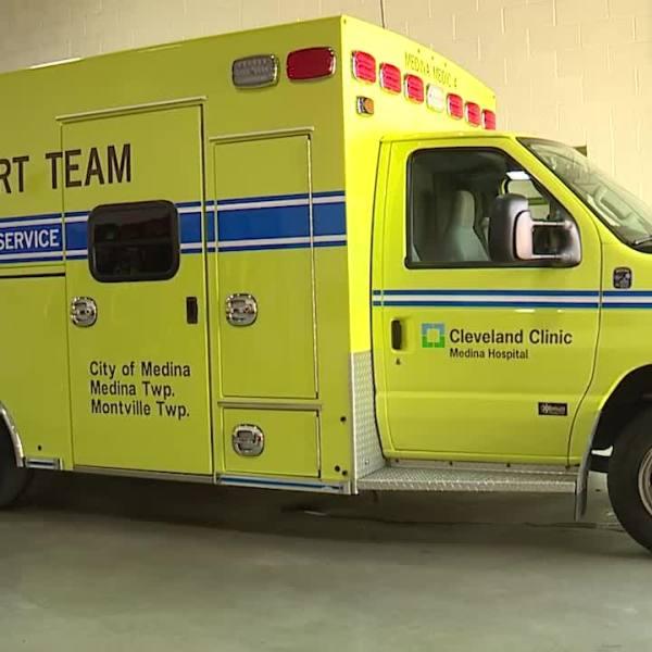 Emergency transport vehicle