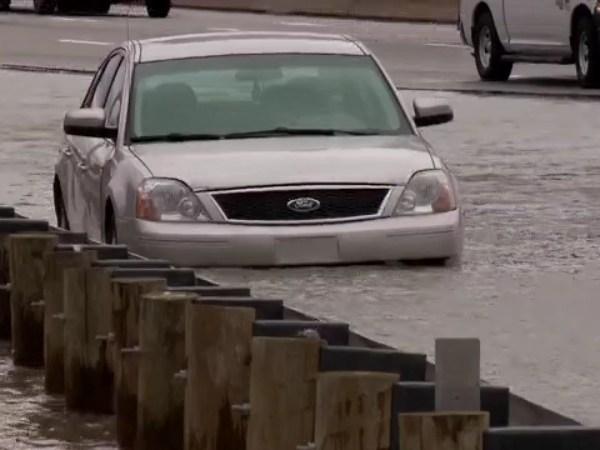 I-90 main break flooding on I-90